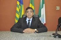 Presidente da CMJF vereador Roberval Santos altera a lei de nº 1.290/2019, reduzindo seus subsídios mensais